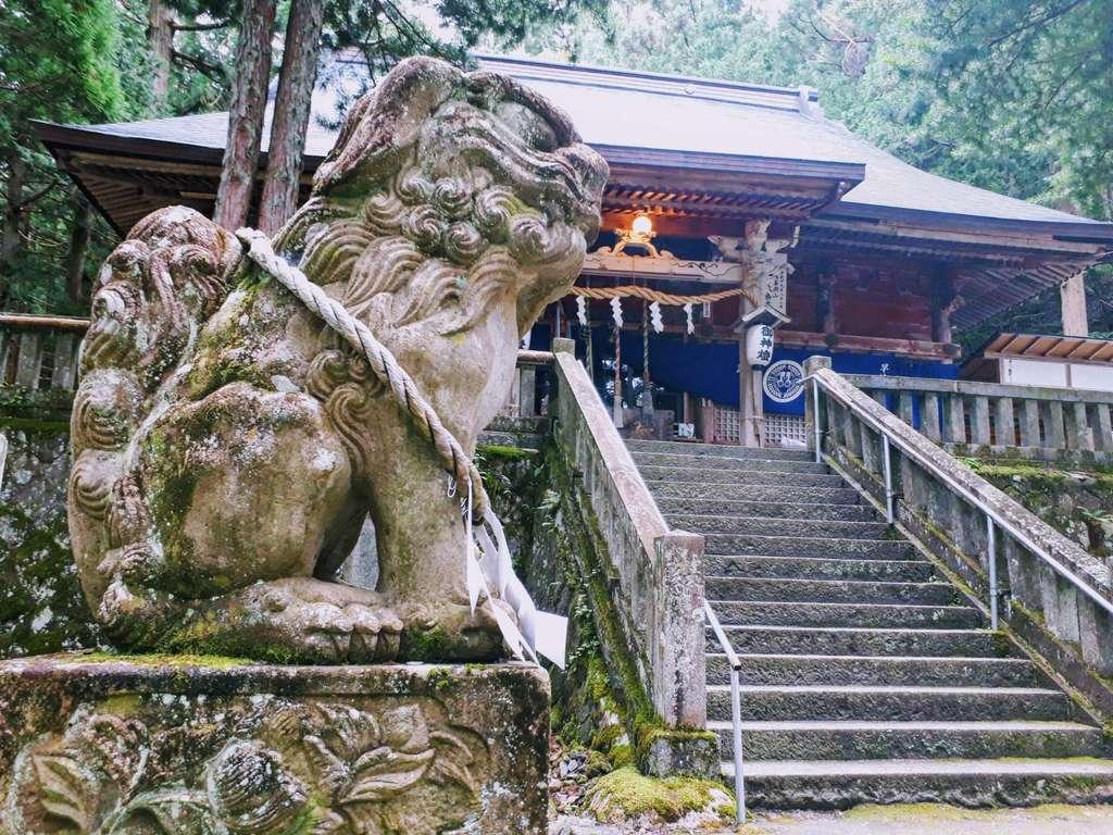 早池峯神社の狛犬