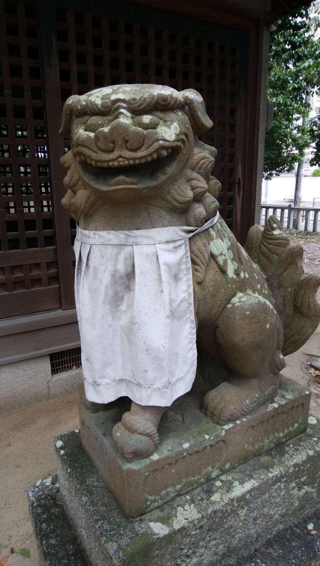 新屋坐天照御魂神社の狛犬