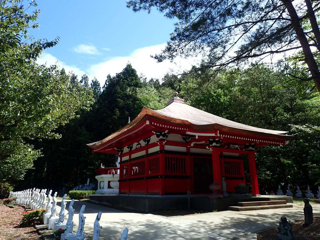 白狐山光星寺の本殿