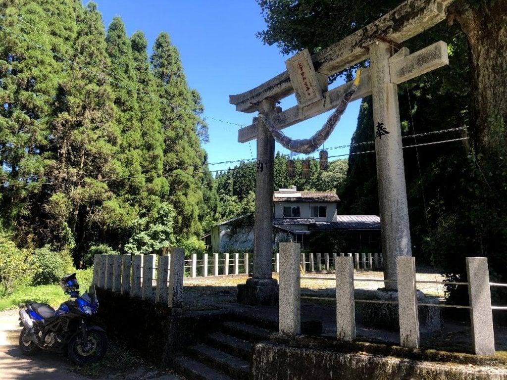 矢津田御霊神社の鳥居