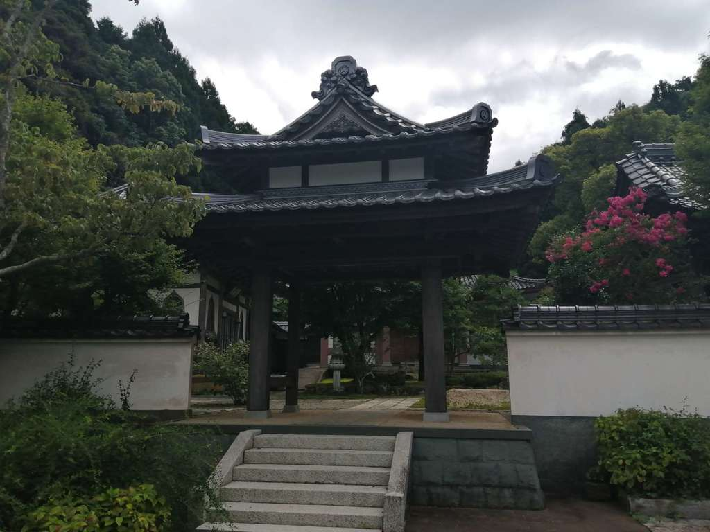 通玄寺の山門