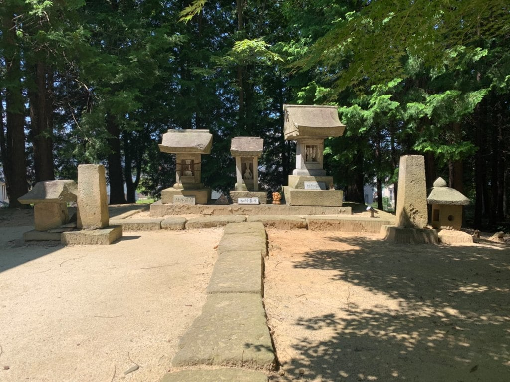 滑川神社 - 仕事と子どもの守り神の末社