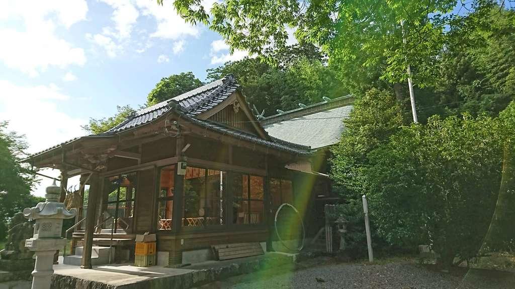 河内阿蘇神社の本殿