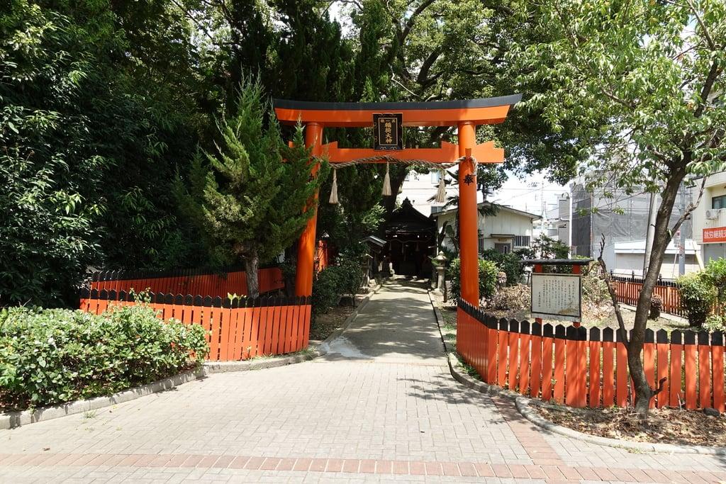 末廣稲荷神社の鳥居