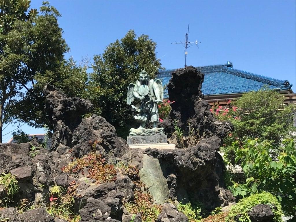 豊受神社の像