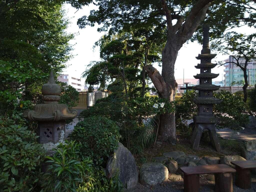 安養寺の建物その他