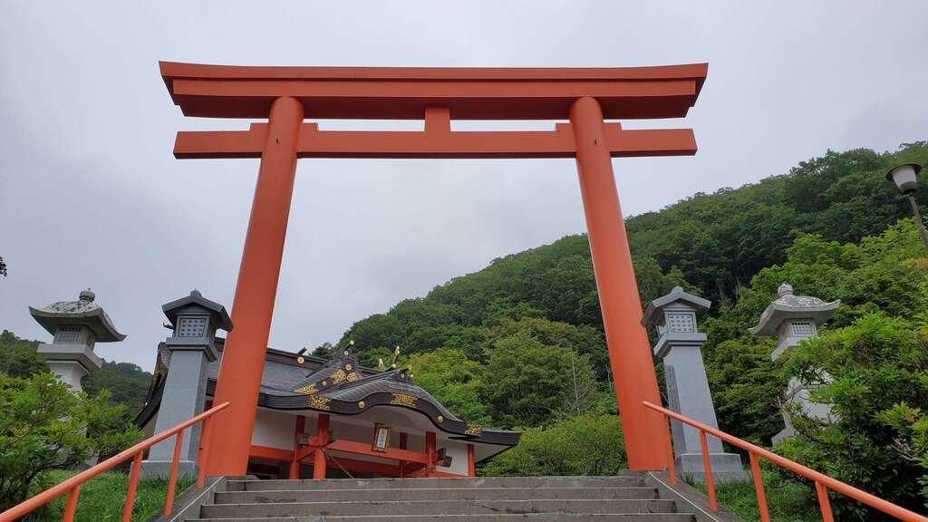羅臼神社の鳥居