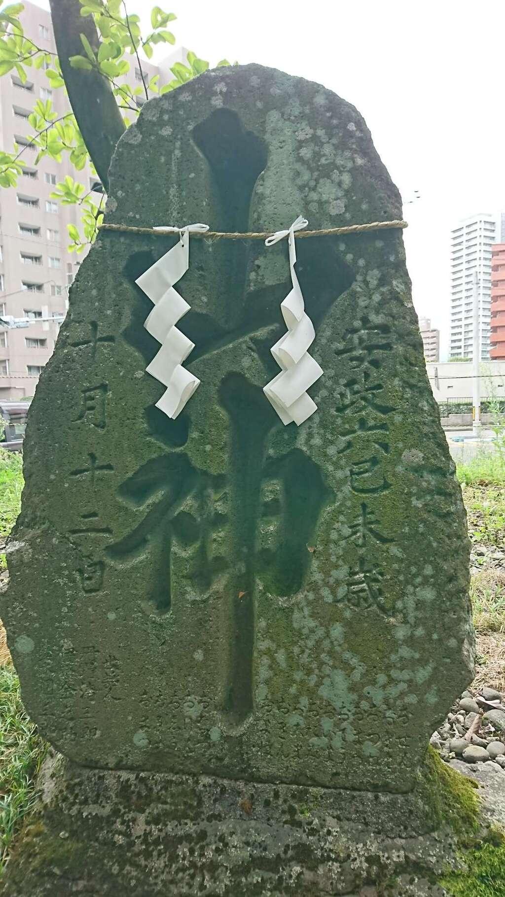 蛎崎神社の建物その他