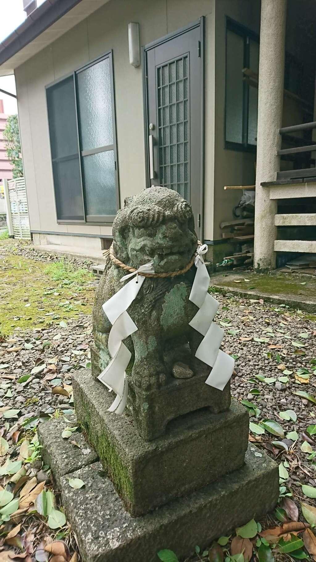 蛎崎神社の狛犬