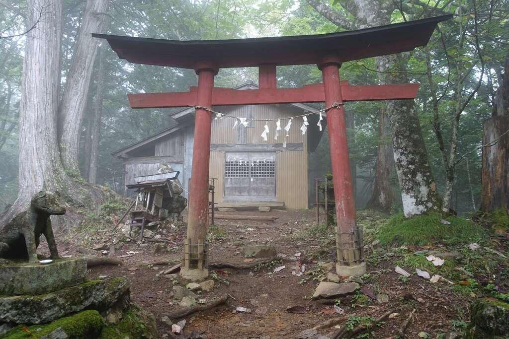 両神神社本社の鳥居