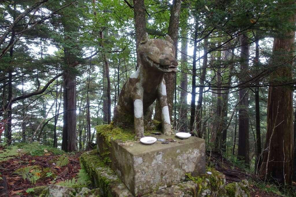 両神神社本社の狛犬