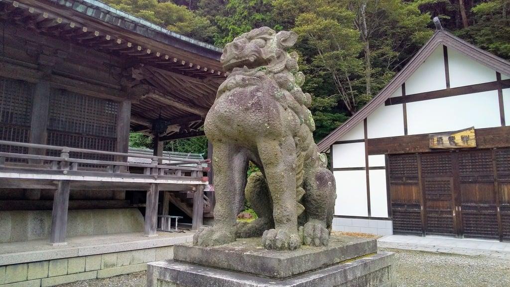 函館八幡宮の狛犬