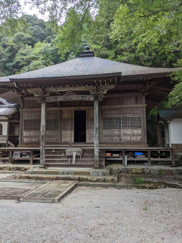 甘南美寺の本殿