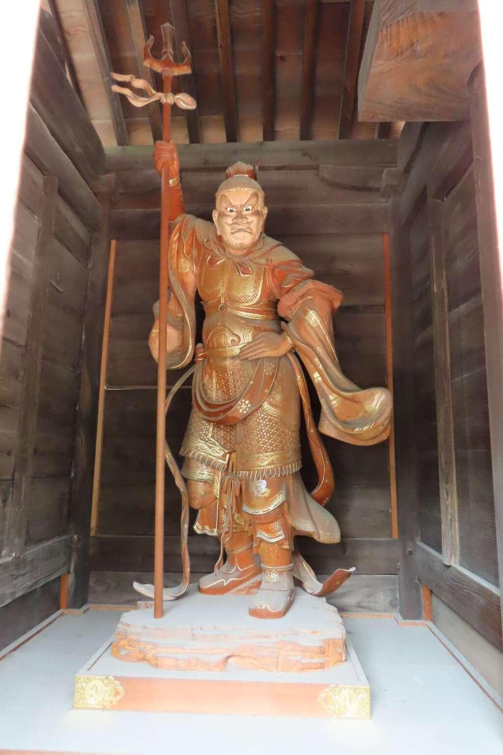東長寺の像