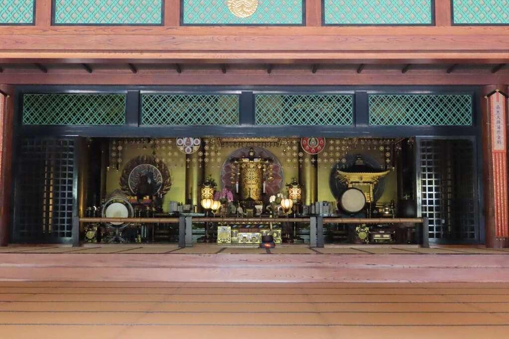 東長寺の本殿