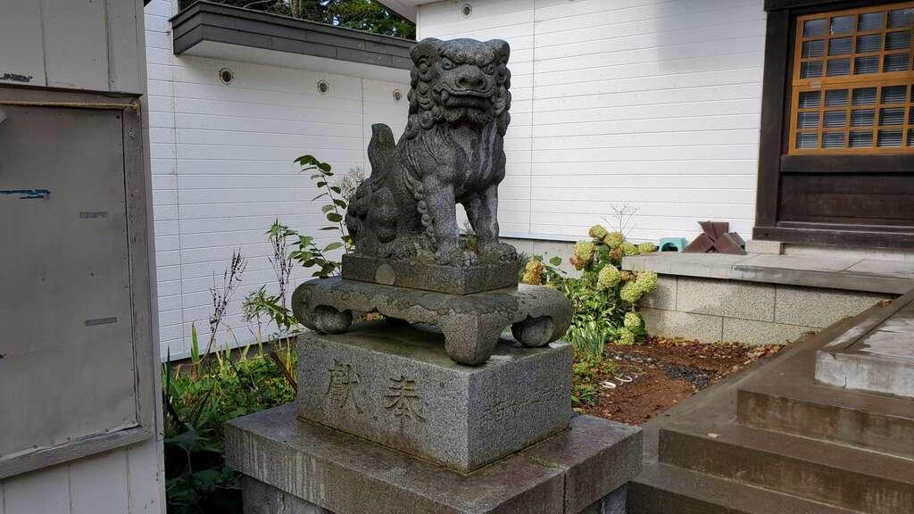 雄武神社の狛犬