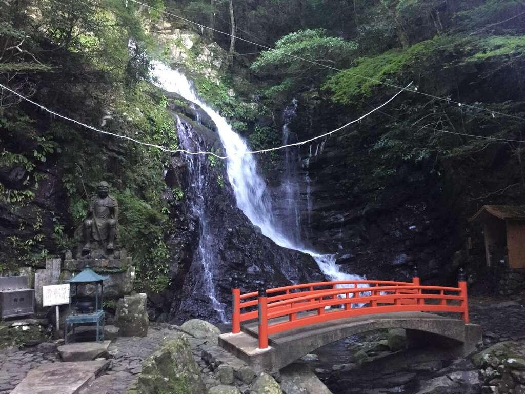 大本山七宝瀧寺の景色