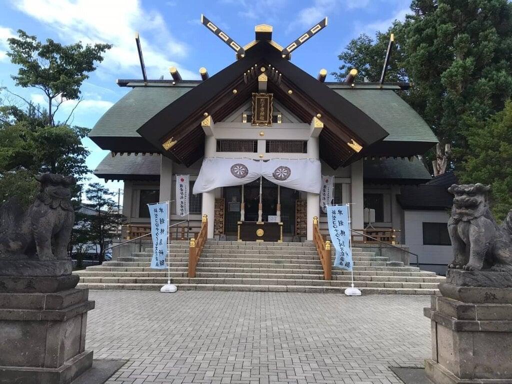 烈々布神社の本殿