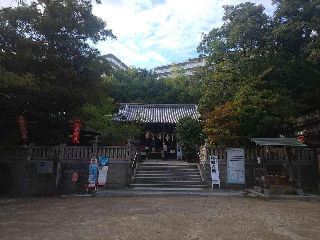 上新田天神社の本殿