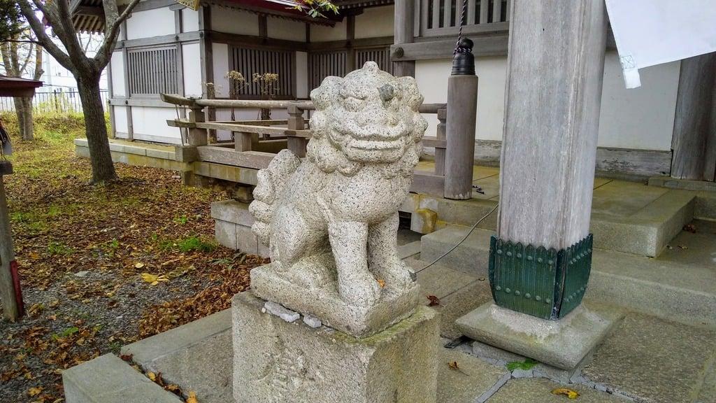 釧路一之宮 厳島神社の狛犬