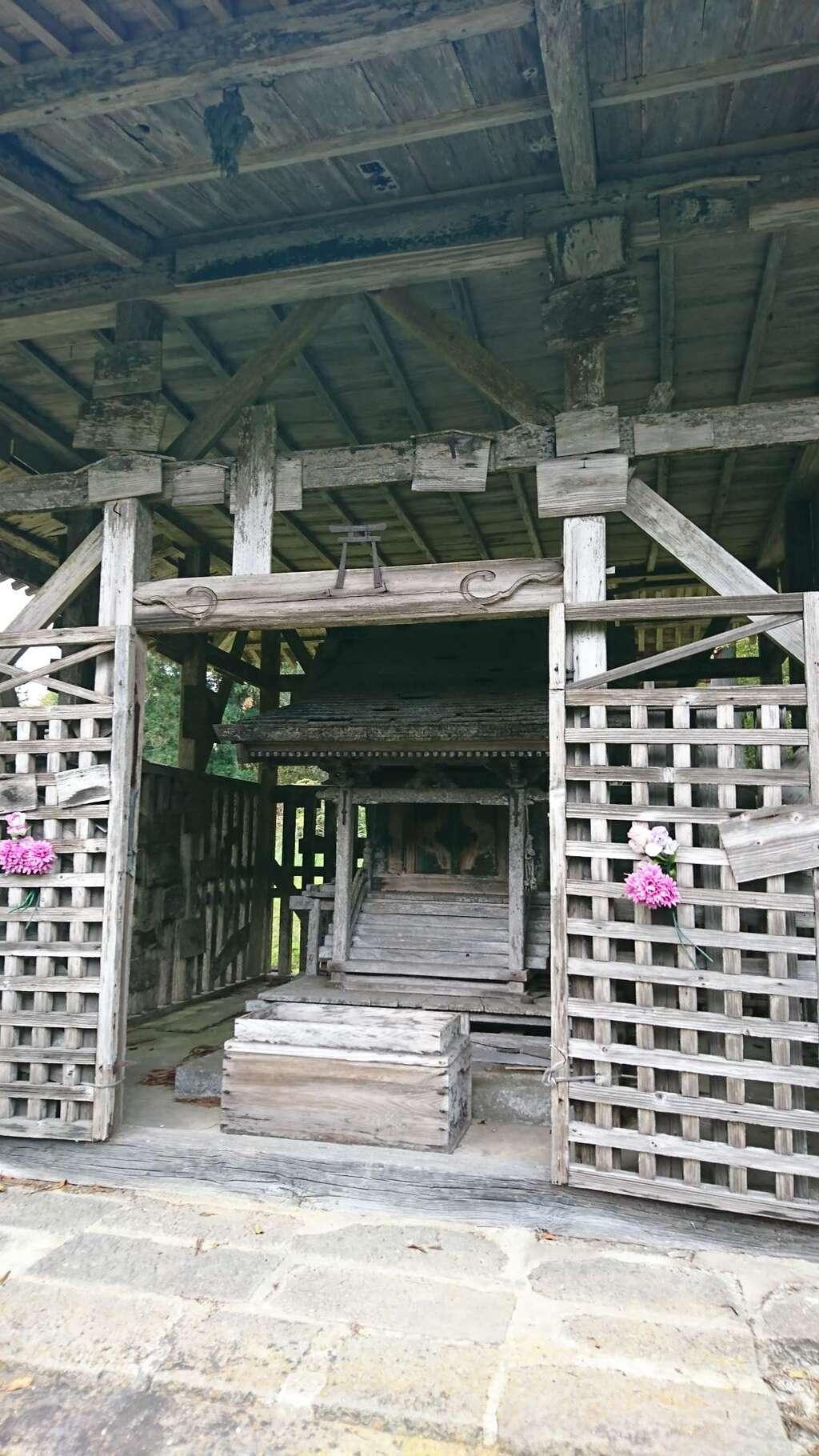 華足寺の本殿