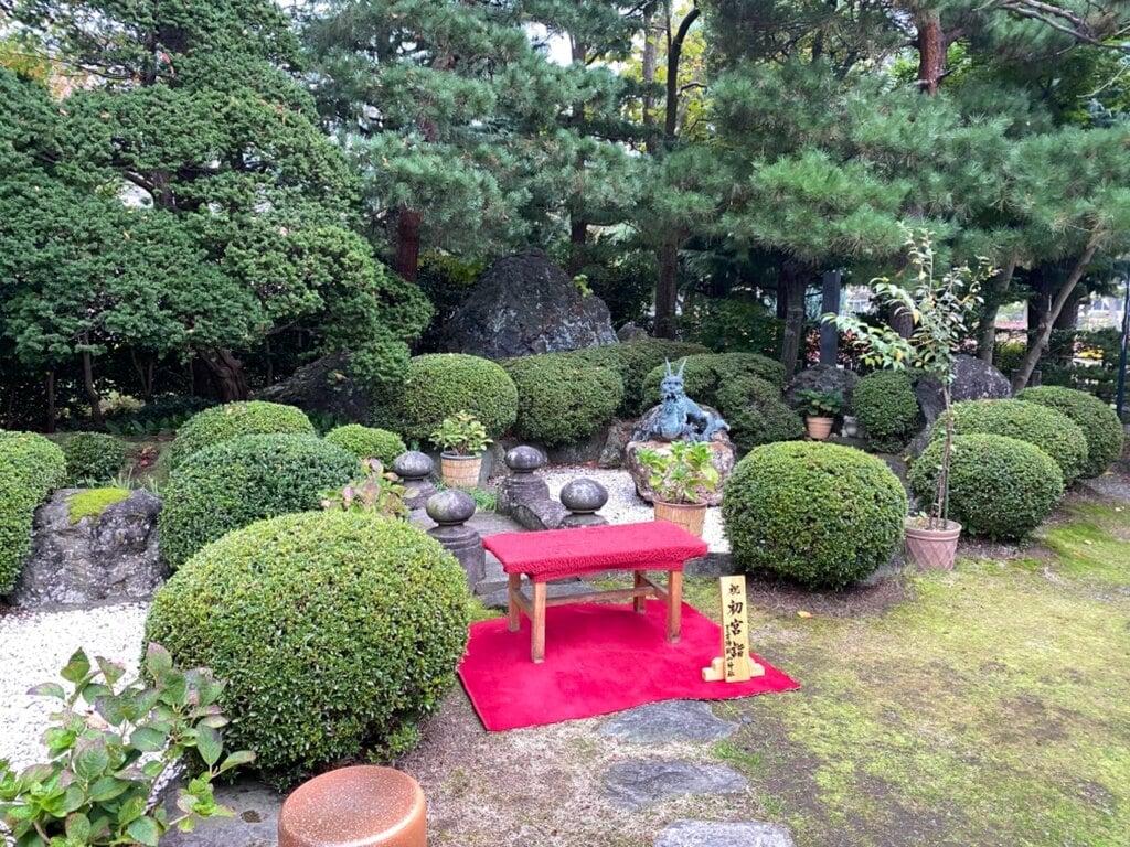 里之宮 湯殿山神社の庭園