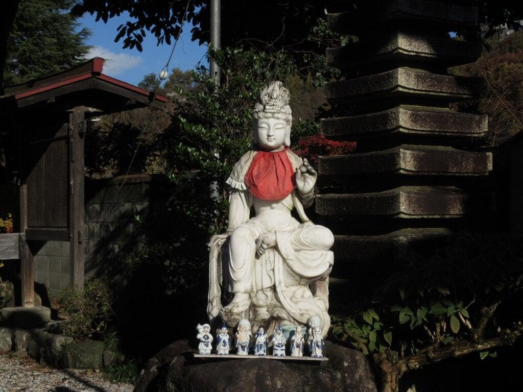 白道山神門寺の像