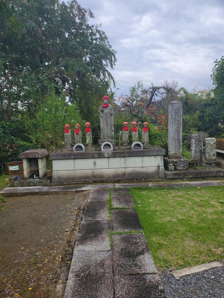 円照寺の地蔵