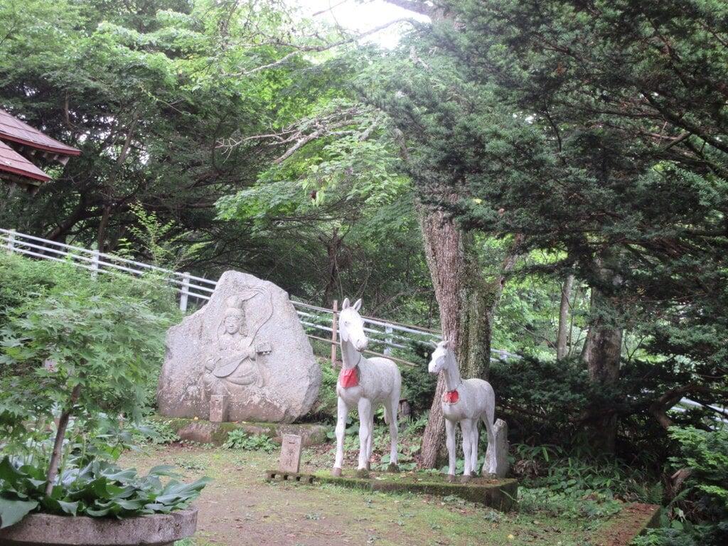 日輪寺の像