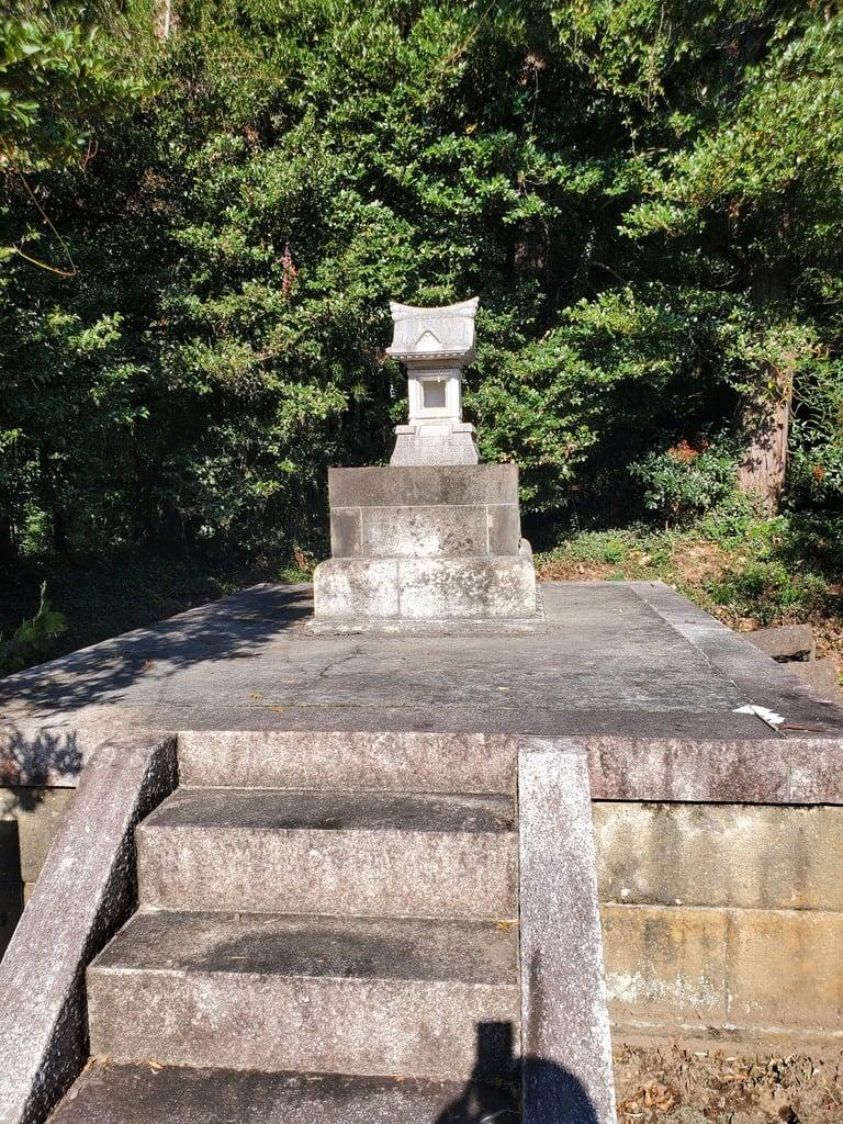 沼鉾神社の塔