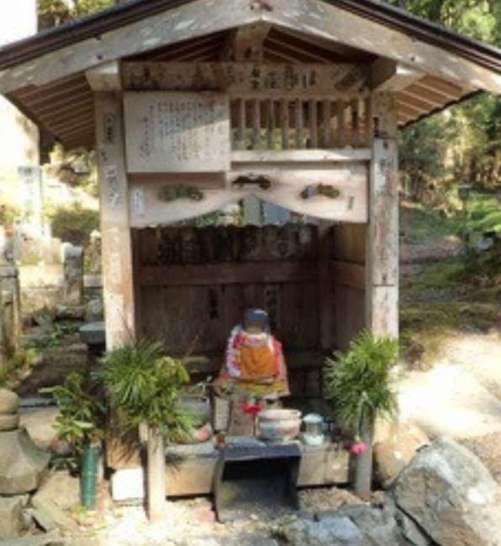 法話と天井絵の寺 觀音寺の地蔵