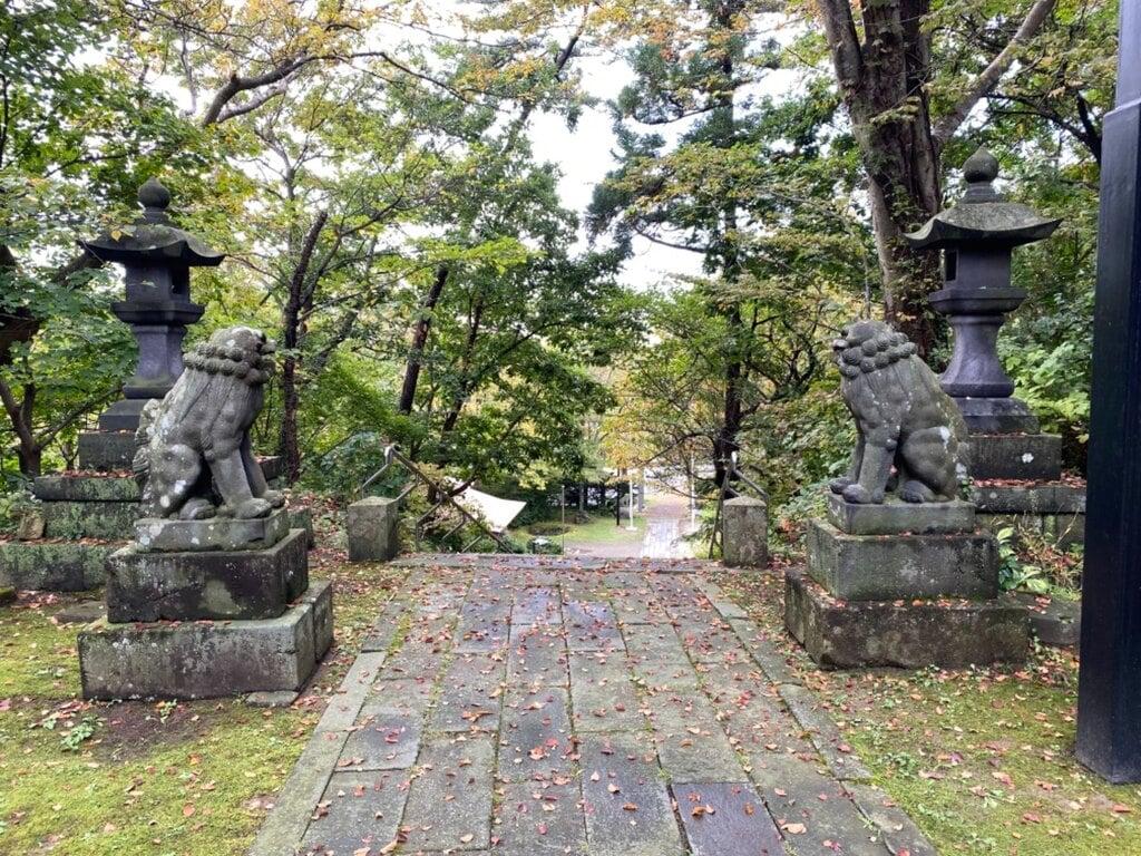古四王神社の狛犬
