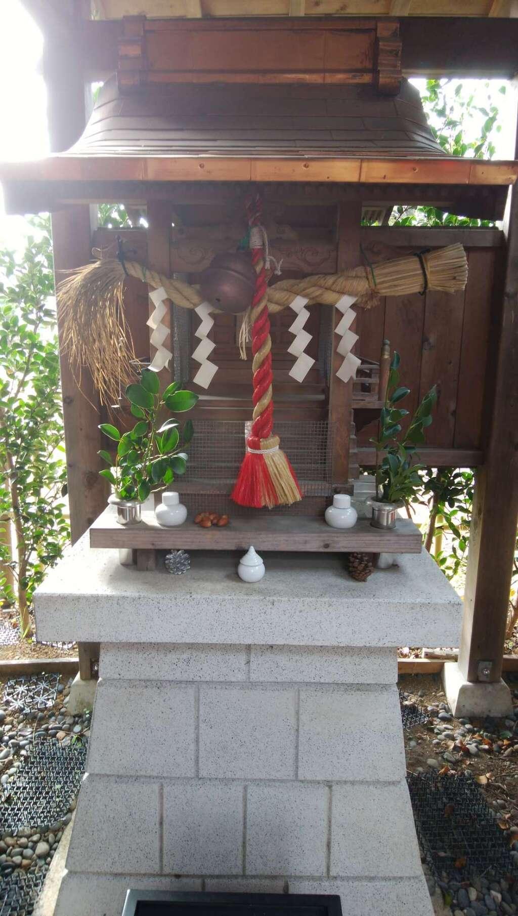 大岡稲荷神社の建物その他