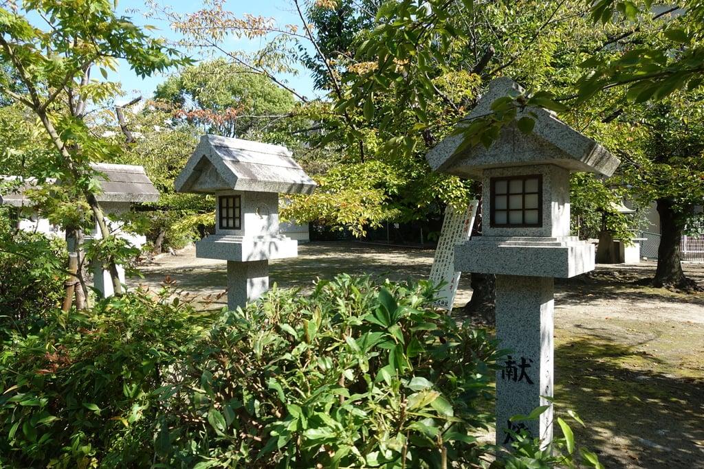 三光神社の塔