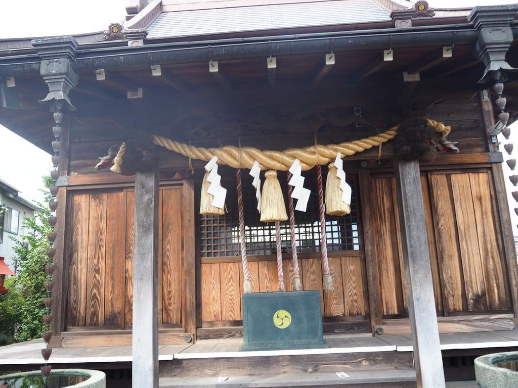 北草加氷川神社の本殿
