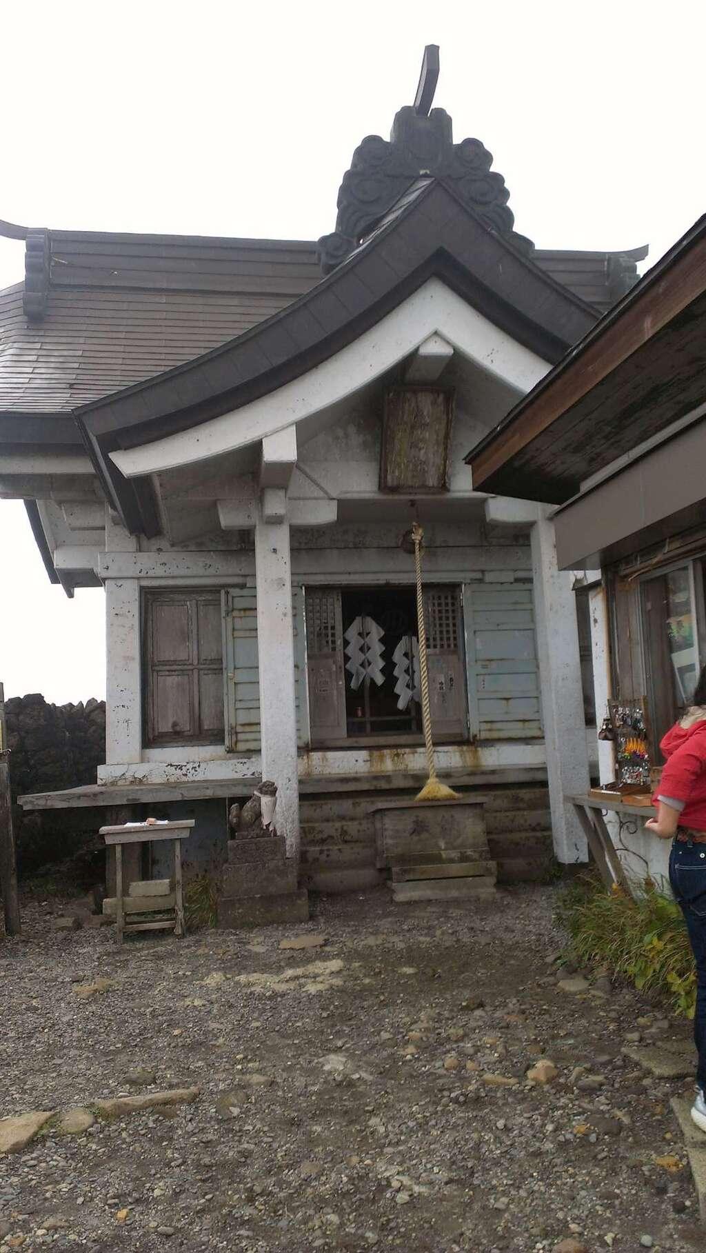 刈田嶺神社(奥宮)の本殿