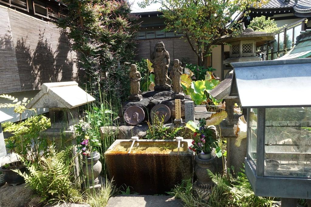 興徳寺の手水