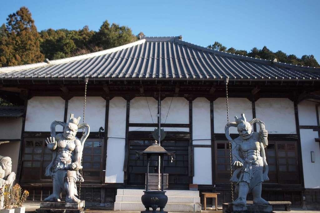 円通寺の本殿