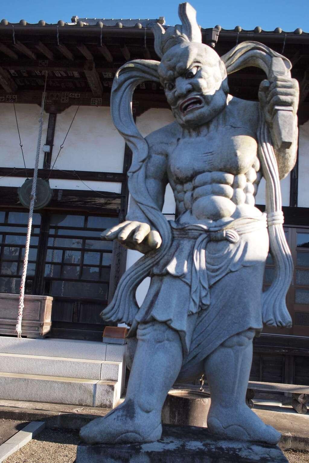 円通寺の像