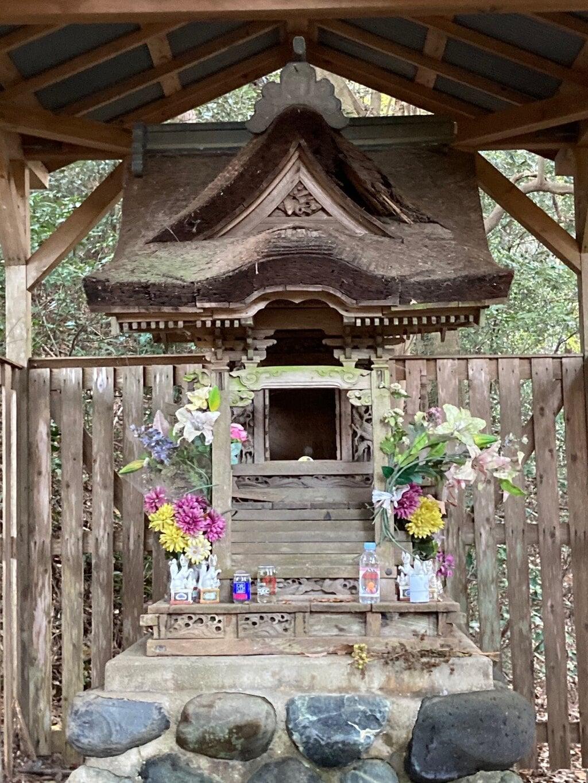 旭稲荷の本殿