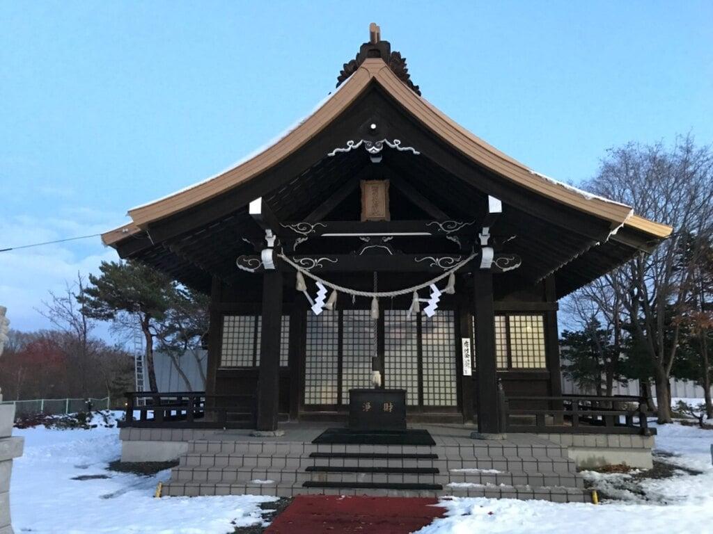 西の里神社の本殿
