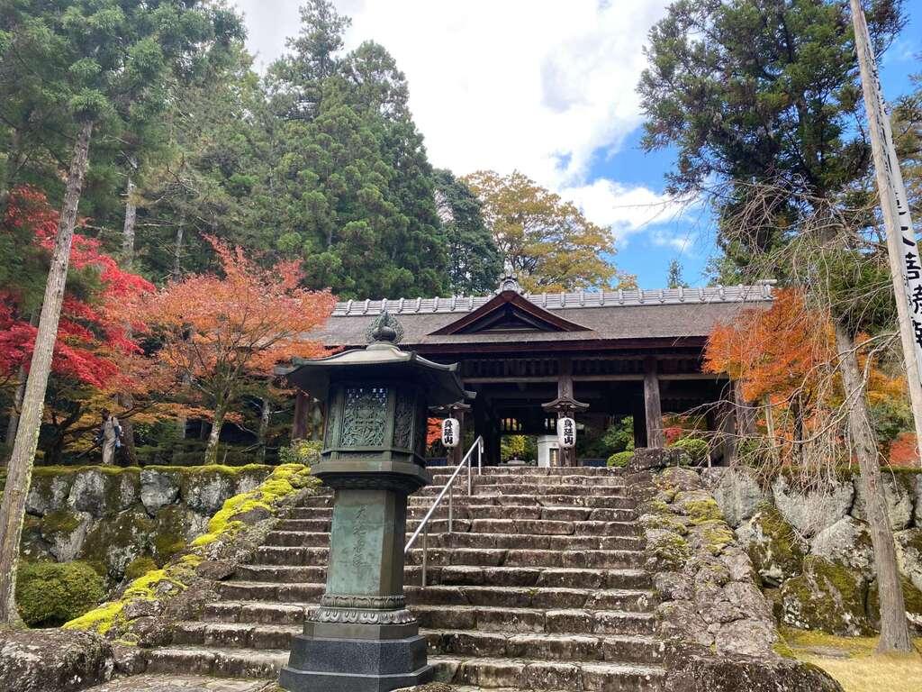 日蓮宗 安楽寺の本殿