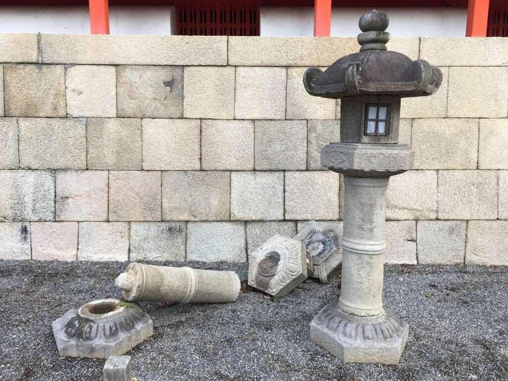 石清水八幡宮の塔