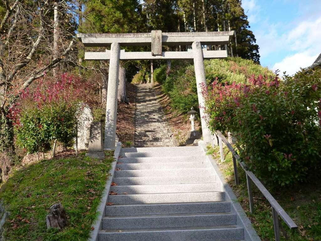 八幡神社(鹿折)の鳥居