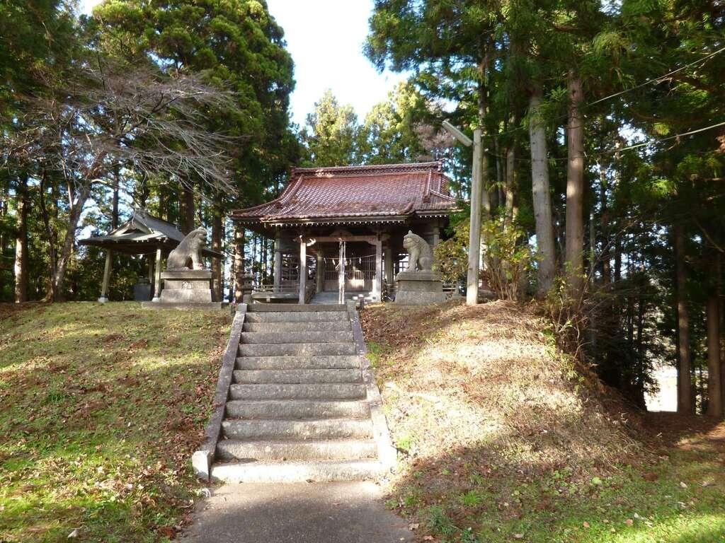 八幡神社(鹿折)の建物その他