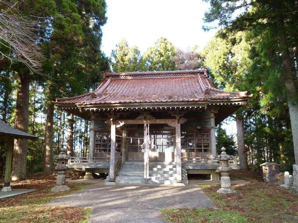 八幡神社(鹿折)の本殿