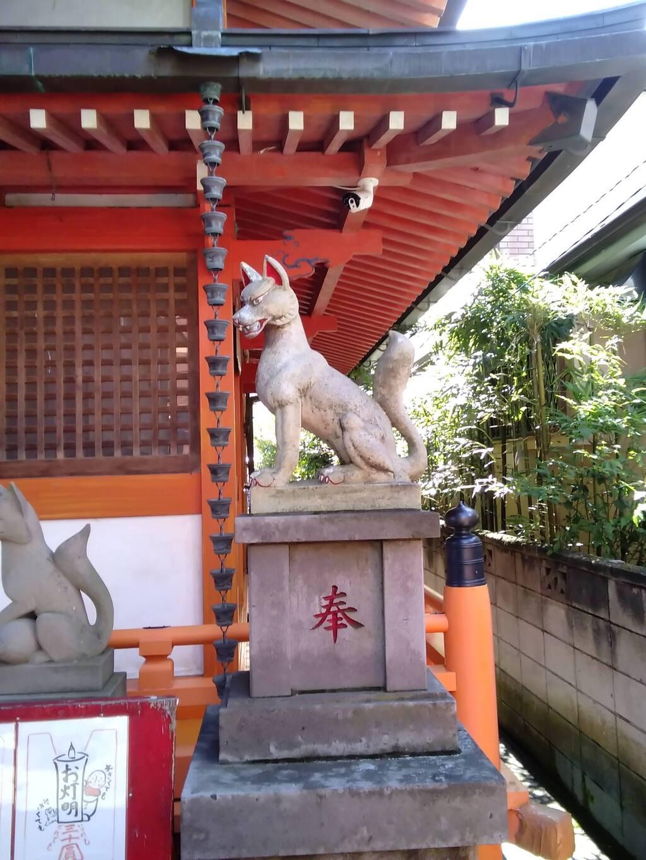 豊受稲荷本宮の狛犬