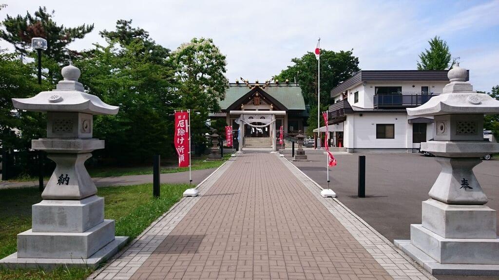 烈々布神社の建物その他