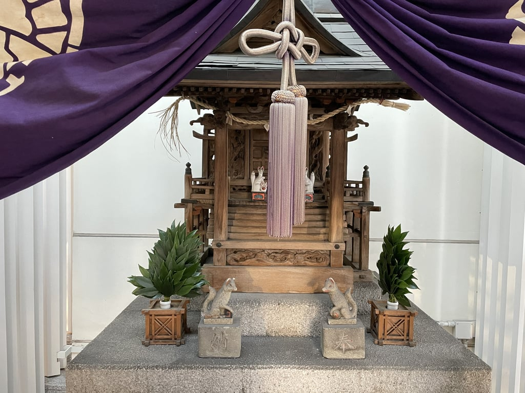 歌舞伎稲荷神社の末社