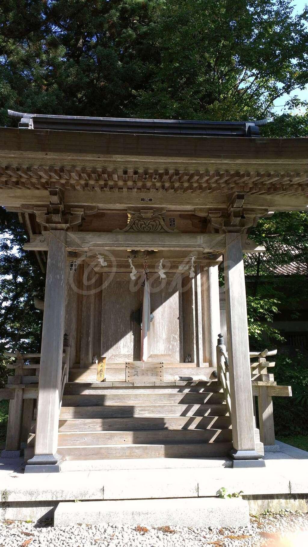 出羽神社(出羽三山神社)~三神合祭殿~の末社